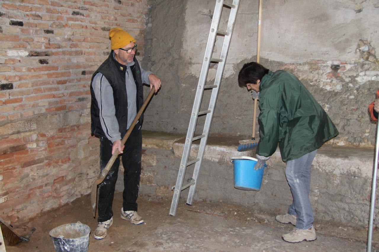 Consolidation des murs et nettoyage
